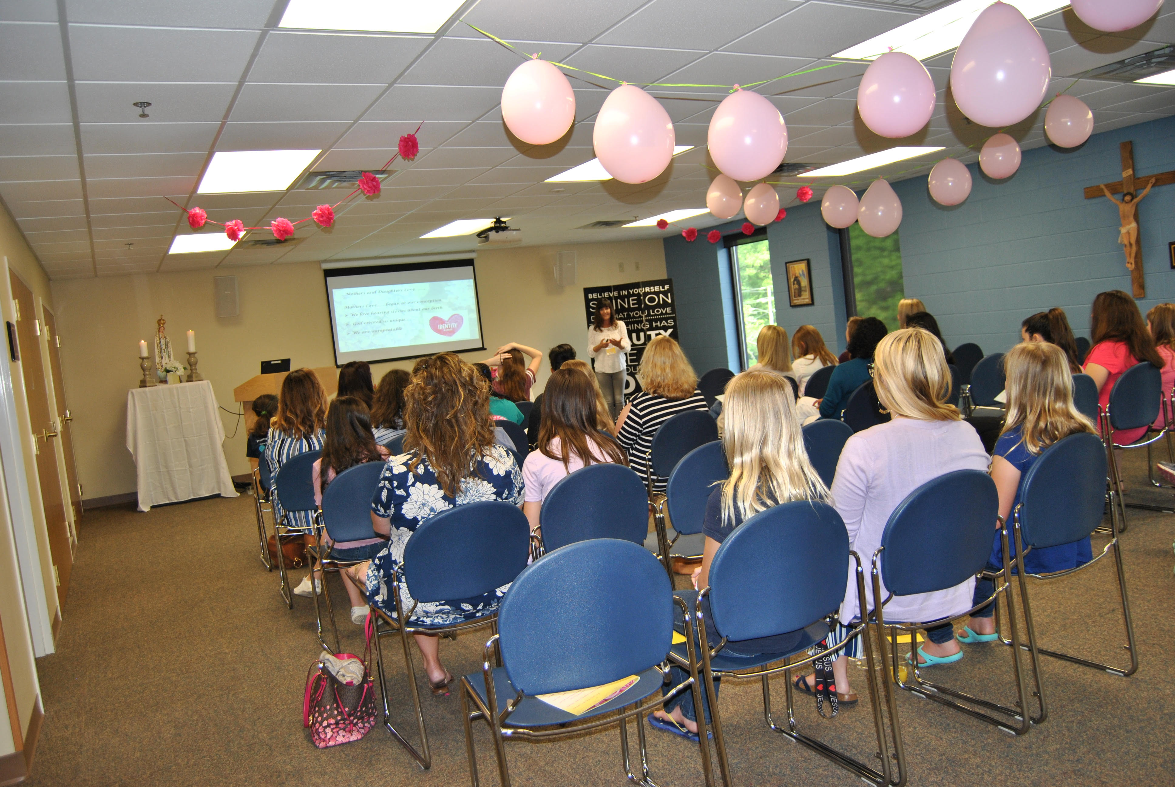 Suzanne-presenting.jpg
